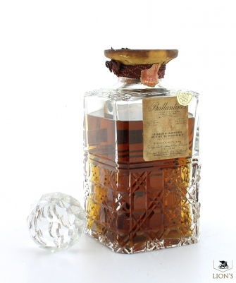 Ballantines 30 Years Old NY USA Import Decanter